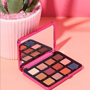 "🌴Too Faced ""Palm Springs Dreams"" Palette"